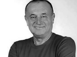 Роман Братковський-Директор театру, заслужений працівник культури України