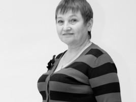 Анна Красняк-Завідувач білетною касою