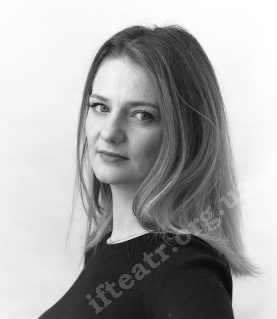 Олена Семенькова