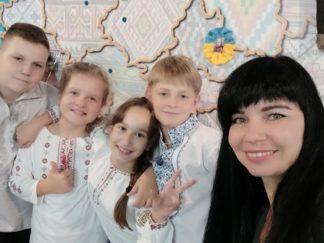 """Театральна студія """"Лялькове Диво"""" на фестивалі"""
